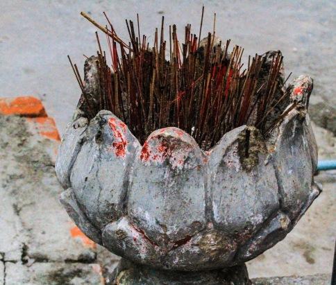 Burned incense holder