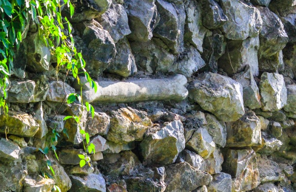 This stone fence was built around the memorial.  Carved stone bones were placed on the fence.